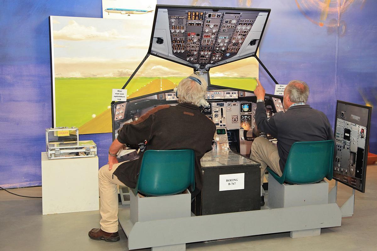 Zo ziet Schiphol er uit vanuit de cockpit van een vliegtuig
