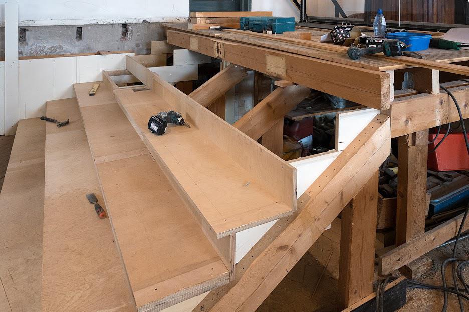 Nieuwe trap naar machinekamer - foto Kees van der Veer