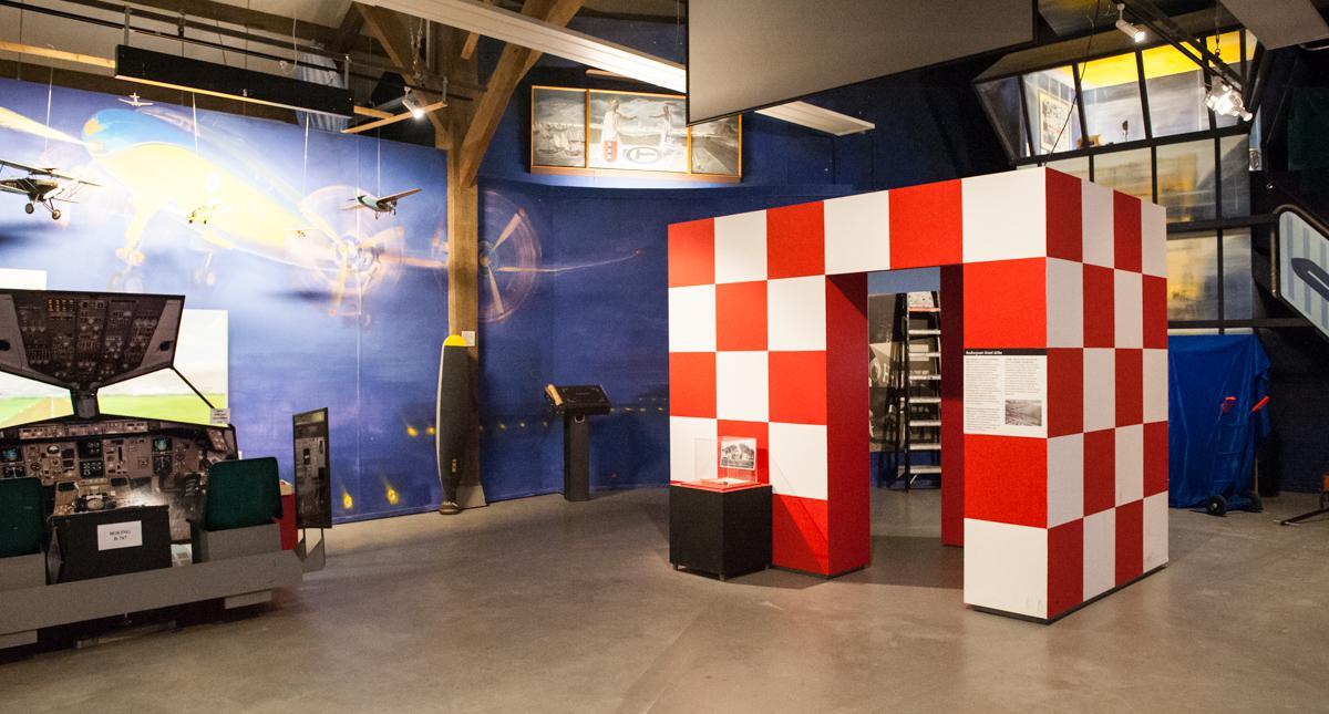 De rood- witte ontmoetingsplek staat ook in Historisch Museum