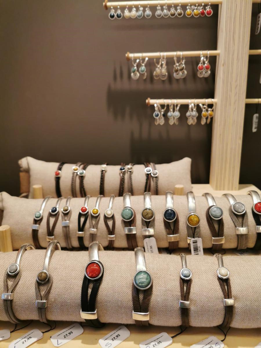 a dutch handmade jewelry
