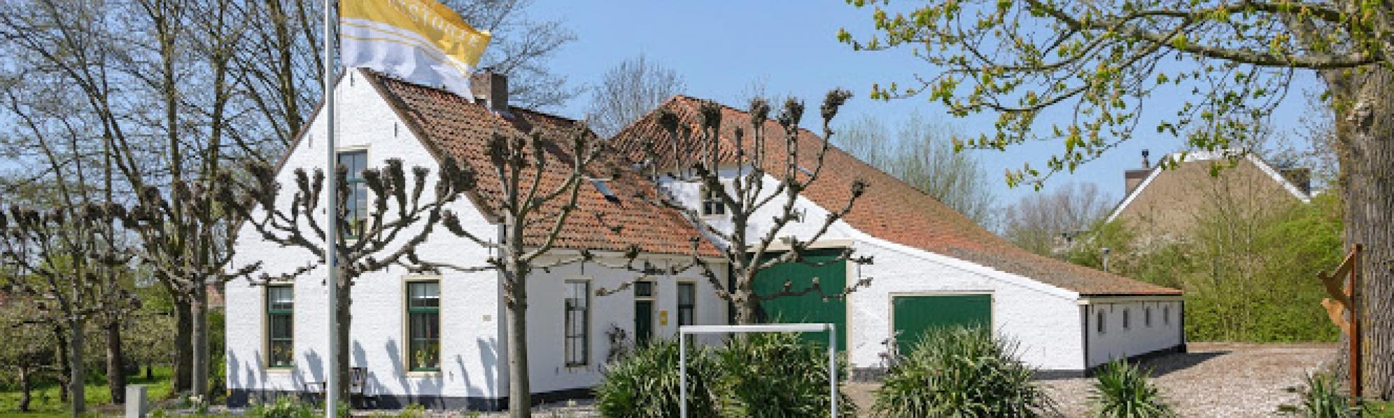 Witte Boerderij van Kees van der Veer