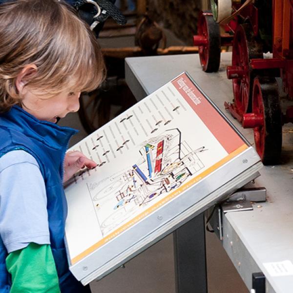 Kinderen op bezoek in Historisch Museum